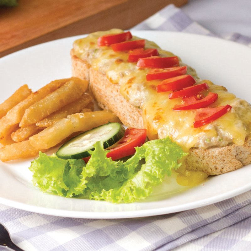Red Platter Tuna Melt